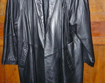Women's Leather Coat Big 1980's Shoulder Pads by Cayenne lots of Styling Detail Medium
