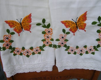 Orange Butterfly Wreath Lace Pillowcases