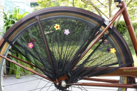 Bicycle Skirt Guard.  The Groovy Baby