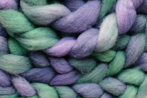 Haunui NZ Halfbred combed wool tops (roving) - 100gr Dilly Vanilli over natural Light Grey base
