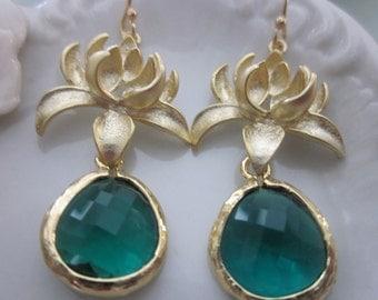 Emerald Green Earrings Gold Blossoms - Bridesmaid Earrings - Bridal Earrings - Wedding Jewelry