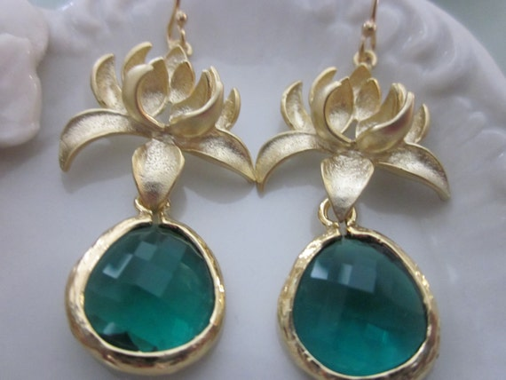 Emerald Green Earrings Gold Blossoms - Bridesmaid Earrings - Bridal Earrings - Wedding Jewelry