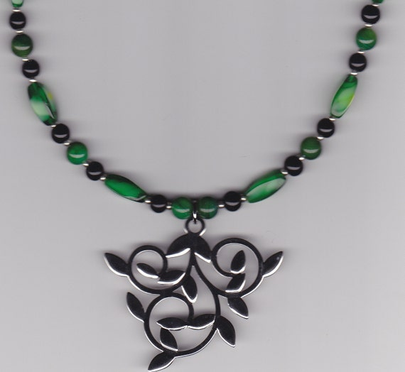 Peridot Beaded Necklace - Vine Metal Pendant