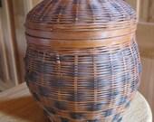 "Vintage Maine Acorn Lidded Basket  5"" Open Weave Great for Potpourri"
