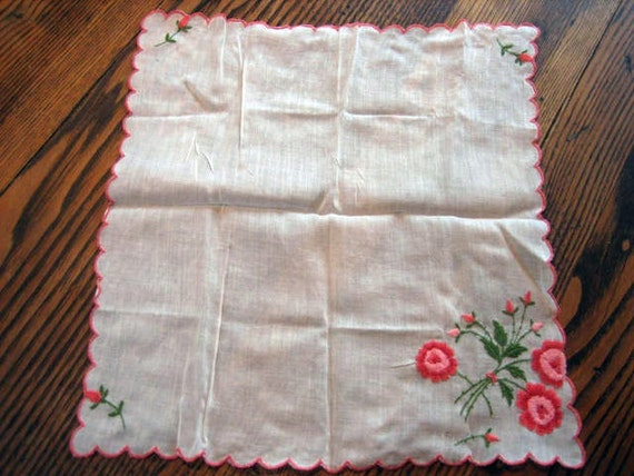 1950s Ladies Pink Flower Embroidered Handkerchief Sheer Scalloped Edge 11X11