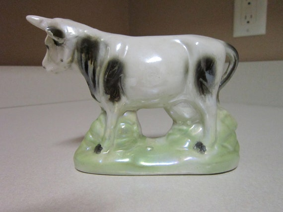 Vintage Lusterware Cows 6 x 2 x 5 Made in Brazil