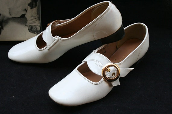 Vintage White Patent Leather Gold Buckle Shoes