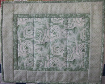 Green Rose Floral Toile Placemats/Set of Four