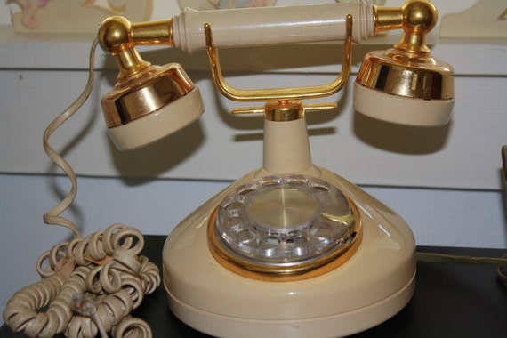 SALE Cool Western Electric Rotary Telephone