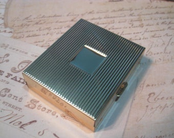 Vintage Pill Box Pocket Mirror, Ready to Adorn, Vintage Pill Box, Vintage Mirror, Gift for her, Mother's Day, Vintage Supplies