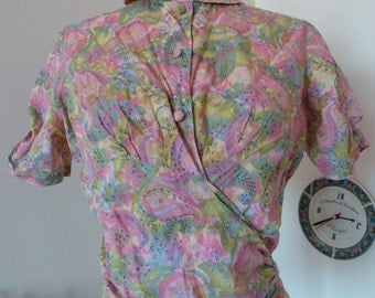 1930s to early 40s cotton pink pastel floral wrap top shirt blouse with shirred details all over