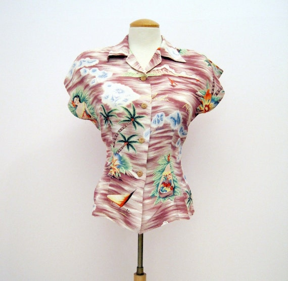 1940s - 50s RARE Vintage Women Hawaiian Palm Tree Tropical Island Rayon Crepe Blouse Shirt Summer Top with Coconut Buttons