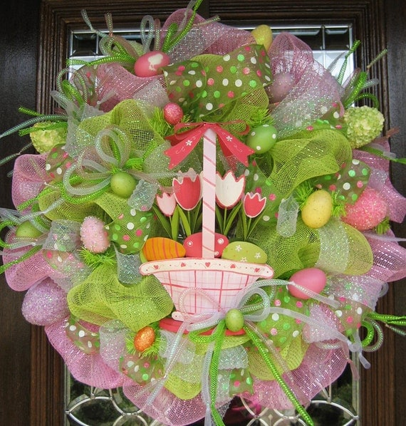 Deco Mesh EASTER WREATH with BASKET of Tulips