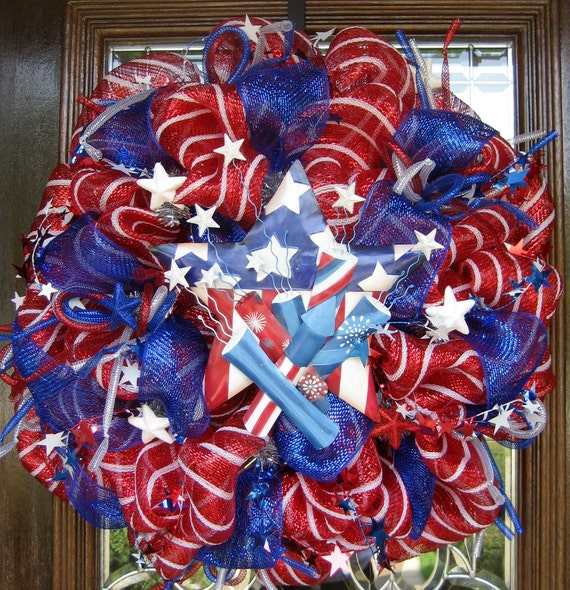 Deco Mesh STARS, STRIPES and FIRECRACKERS Wreath