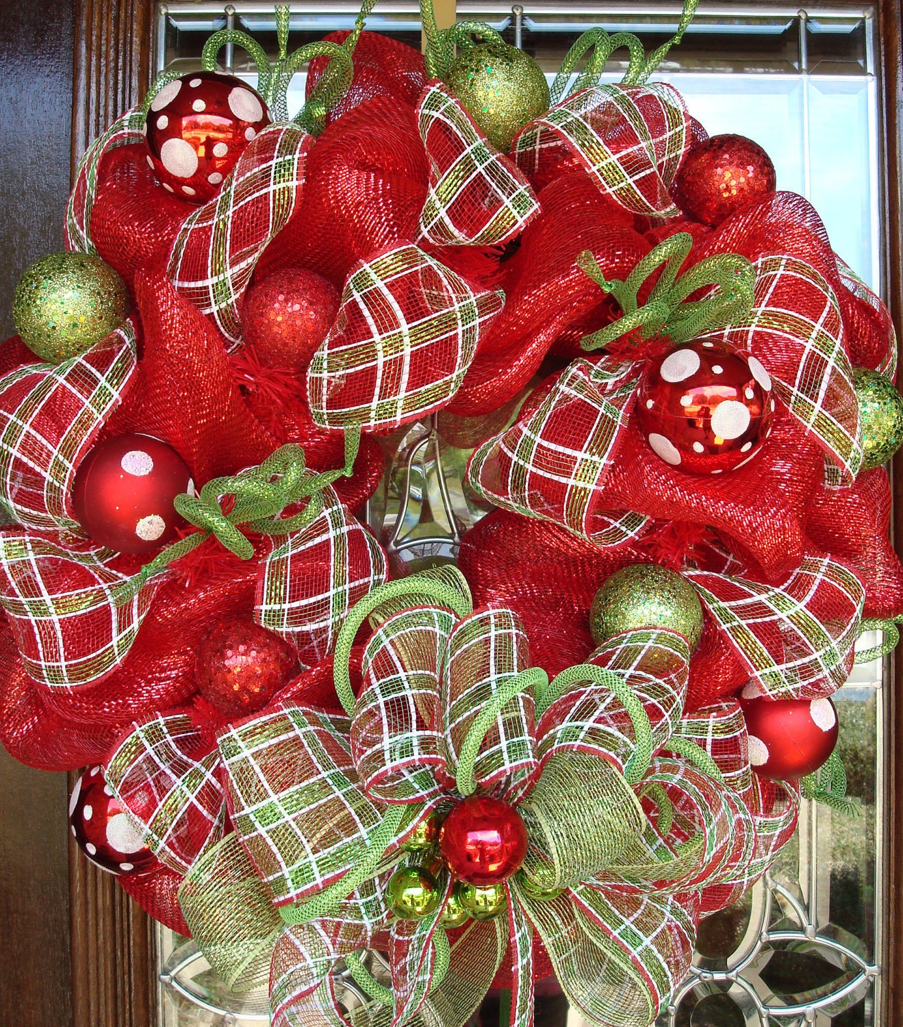 red white and green deco mesh christmas wreath with plaid and. Black Bedroom Furniture Sets. Home Design Ideas