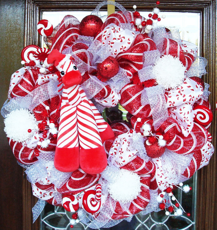 Red white and giraffe deco mesh christmas wreath by decoglitz for Christmas wreath