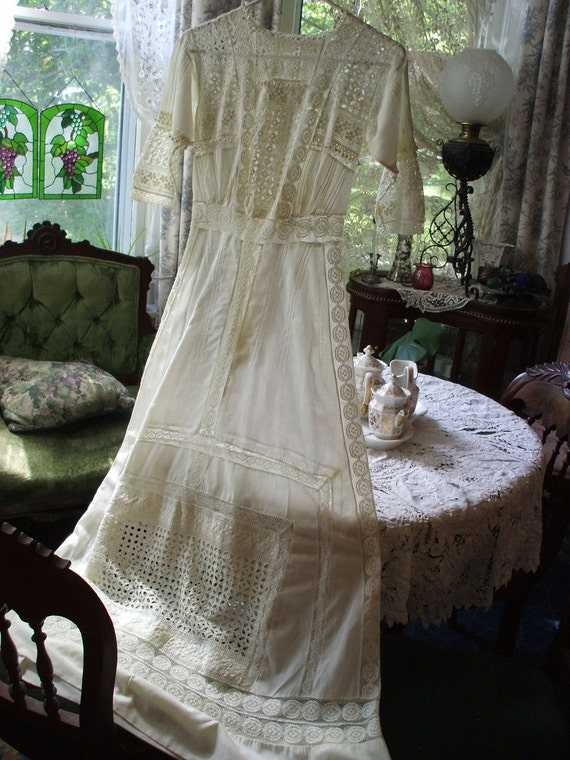 SALE Ornate Palest Cream Yellow EYELET & LACE Batiste Edwardian Dress