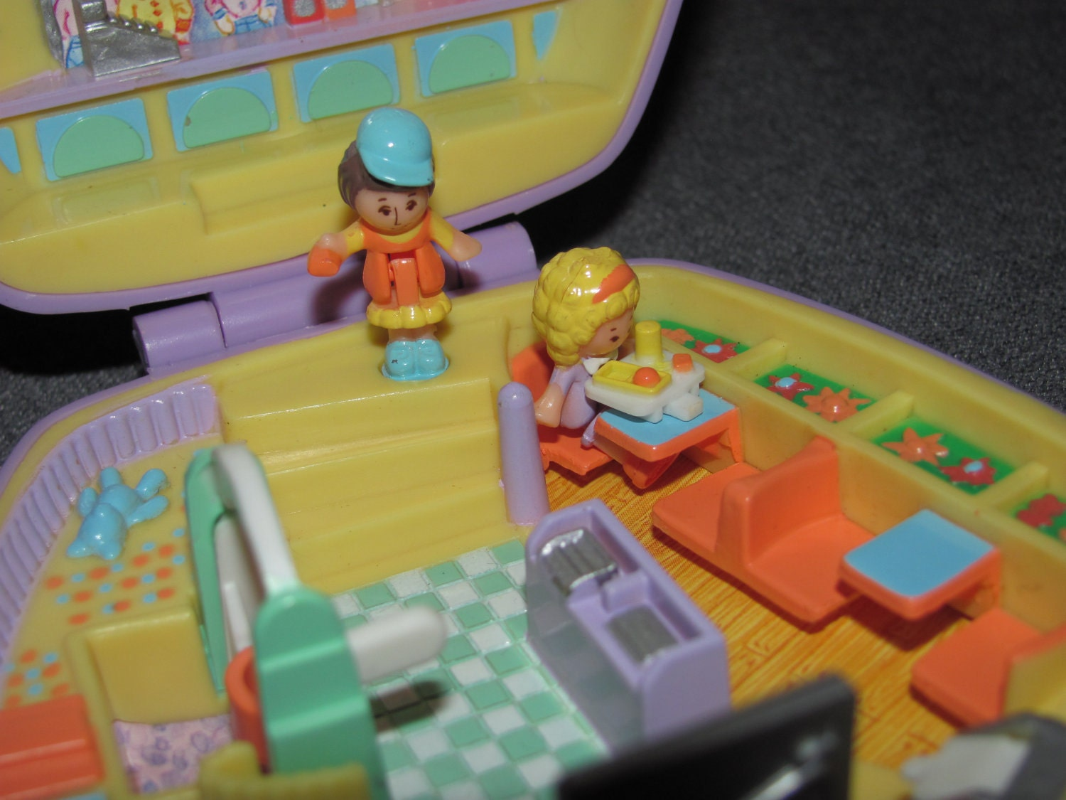 Polly Pocket Fast Food Restaurant