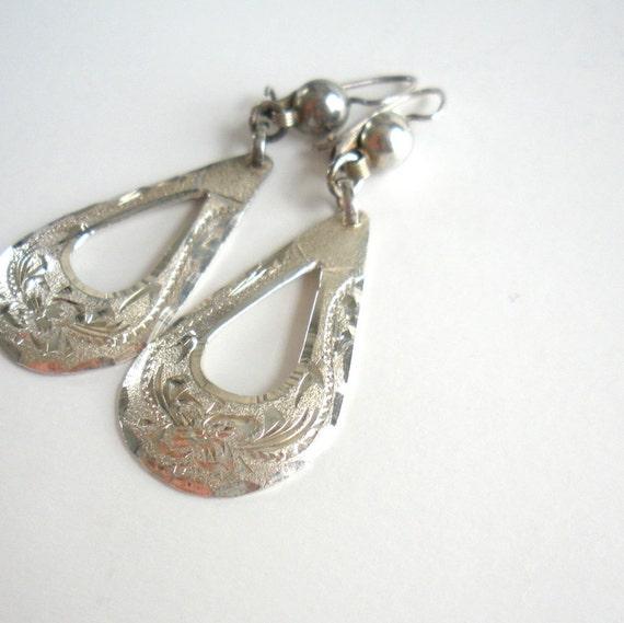 Sterling Silver Earrings - Mexico Jewelry - Vintage Silver Tear Drop Earrings - 1970s