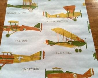 Vintage 1960s Wallpaper-Vintage Airplanes