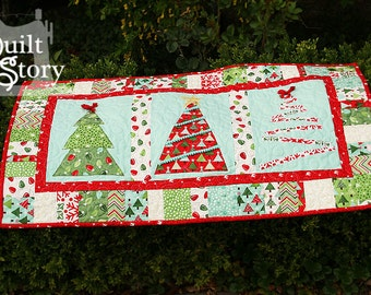PDF Quilt Pattern/ Christmas/ Modern/ Easy Table Runner / Merry Little Christmas
