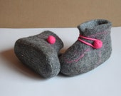 Handmade felted wool slippers, felted baby home shoes, for kids from 0 to 24 months
