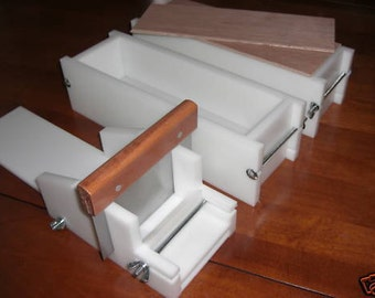 2 hdpe 3 LB Soap Molds,1 Cutter,1 Cutter Blade, 2 Wooden Lids makes 22 Bars E.
