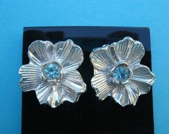 Vintage Silvertone Flower Earrings with Blue Rhinestone Centers - Clip on Style Silver and Blue Earrings