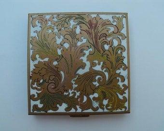 Vintage Volupte Floral Leaves Design Compact