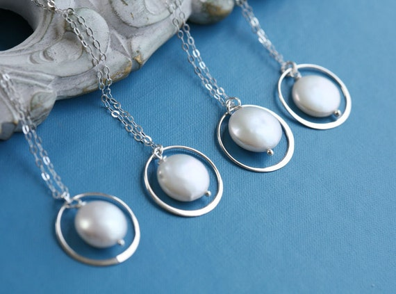 Set of 8,Bridesmaid necklace,Eternity Circle Necklace,Coin Pearl,Bridesmaid gifts,Wedding jewelry,Pearl Necklace,Wire wrapped