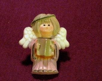 Vintage 1970s Avon Angel Pin