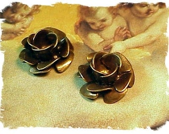 Rose 3 layer brass ox (x2)