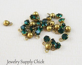 Emerald crystal 4mm drop (x12)