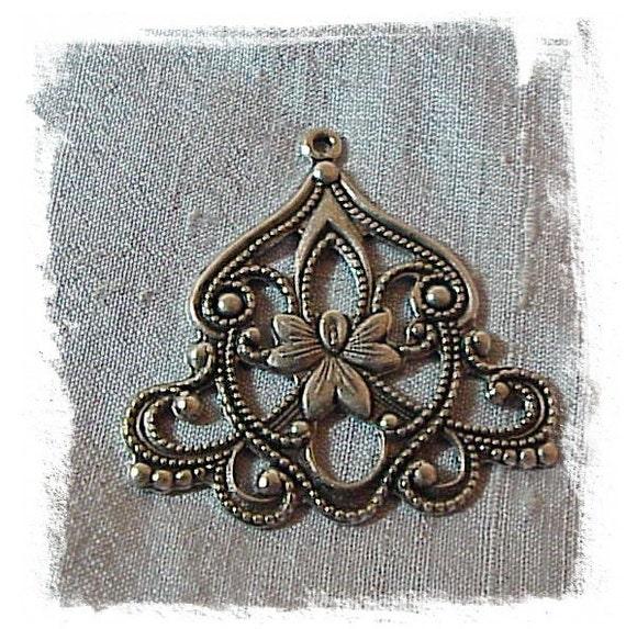 Flourish Pendant silver ox (x1)