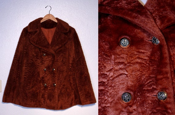 1970s Vintage FAUX FUR CAPE // Double Breasted // Dyersburg