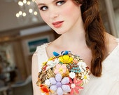 Featured on The Knotty Bride Vintage Brooch Heirloom Bouquet