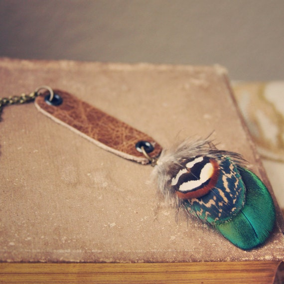 jaidyn.  a bohemian leather and feather necklace.