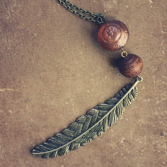 bellarosa.  a long feminine peach and brown feather necklace.