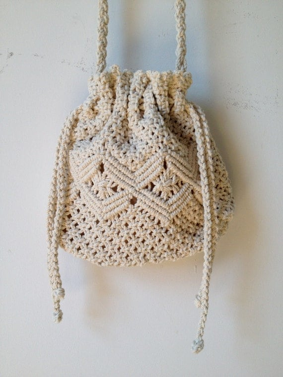 Crochet Patterns For Bags Drawstring : vintage crochet drawstring cross body bag