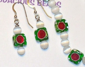 """Handmade 17""""  White Cats Eye  NECKLACE  & EARRING SET with Flower Bead Accents and Silver Hook"""