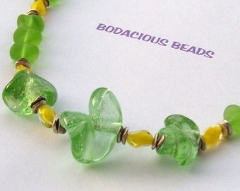 """Handmade 17 1/2"""" NECKLACE and EARRINGS Set FROSTED and Clear Green & Yellow Art Glass Silver Accents and Lobster Claw"""