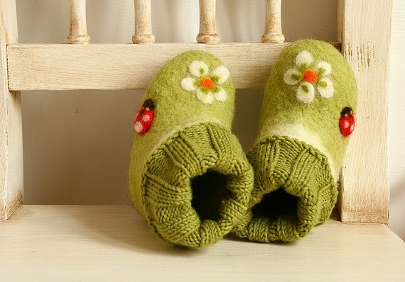 Eco green soft felted & knitted baby toddler girl shoes with flowers and ladybirds Size 4 - Soft soled baby girl boots - Ready to ship