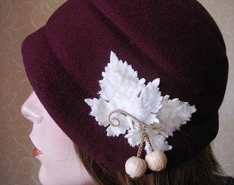 SALE! 1920's style flapper cloche hat, one of a kind.