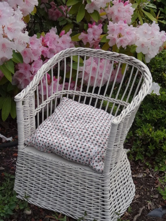 Antique Victorian child's chair for potty training  form early 1900s  white wicker