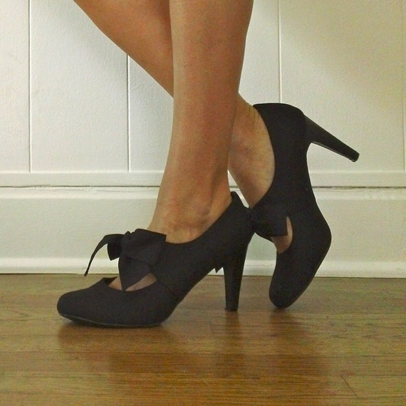 Items similar to Mary Jane Pumps // Bow Tie Black Pump ...