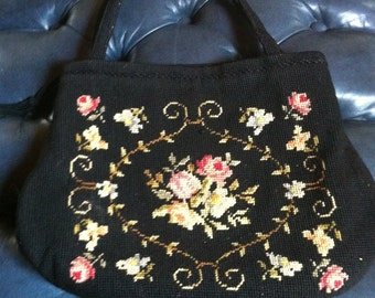 Vintage needle point detailed 50s purse