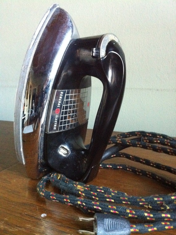 General Electric Iron ~ Vintage general electric visualizer clothes iron by