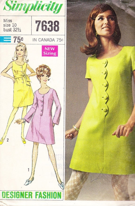 1968 Scalloped Front Flared Mod Mini Dress Vintage Pattern, Simplicity 7638, Scoop Neckline, Fitted Shift or Belted, Sleeve Variations