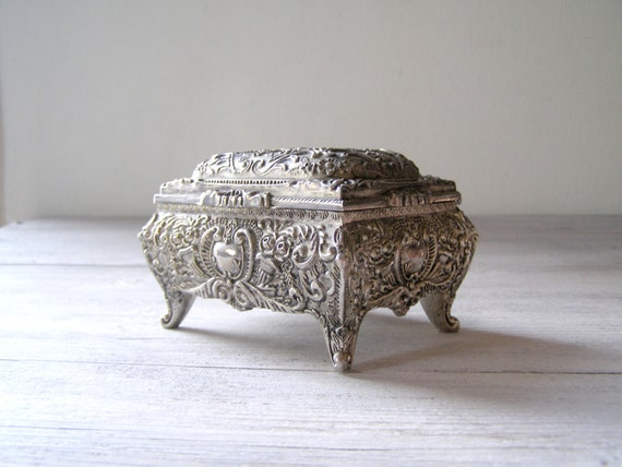Silver Plated Jewelry Box Reach Decoration Pattern Vintage