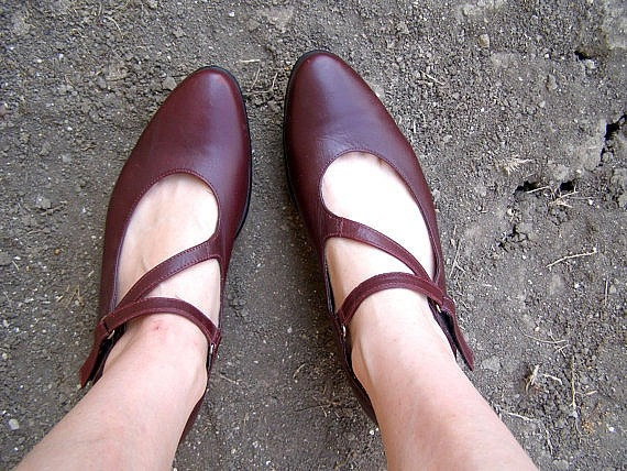 "Woman Burgundy shoes, Vintage 90s leather shoes, ""Antelope"" shoes made in Israel Listed by MeshuMaSH on etsy"